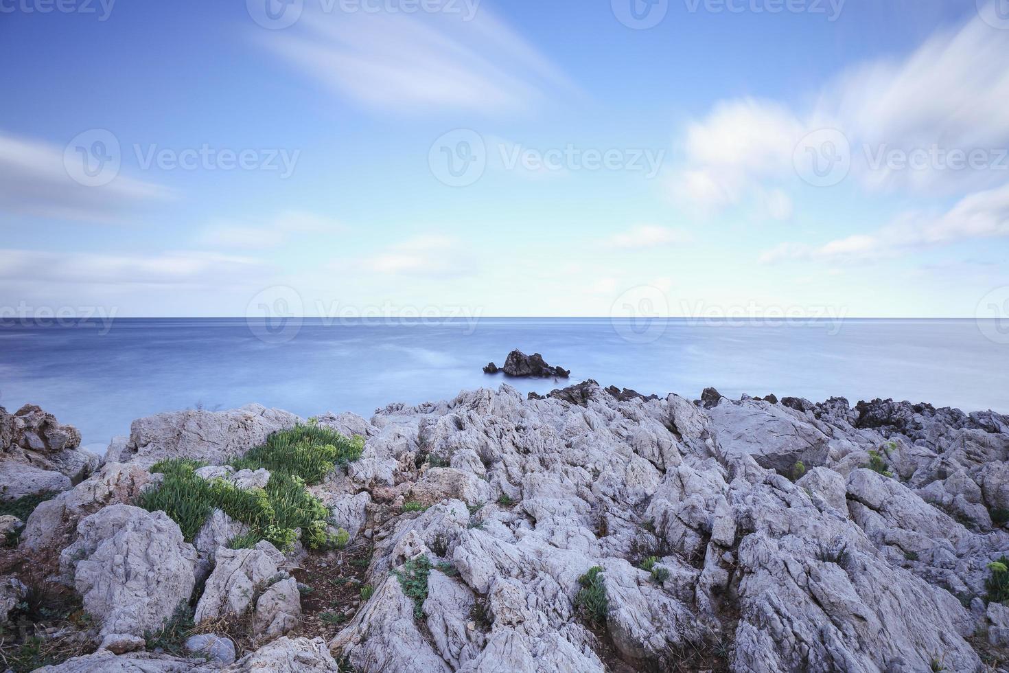 schöne Küste von Capo Gallo auf Sizilien foto
