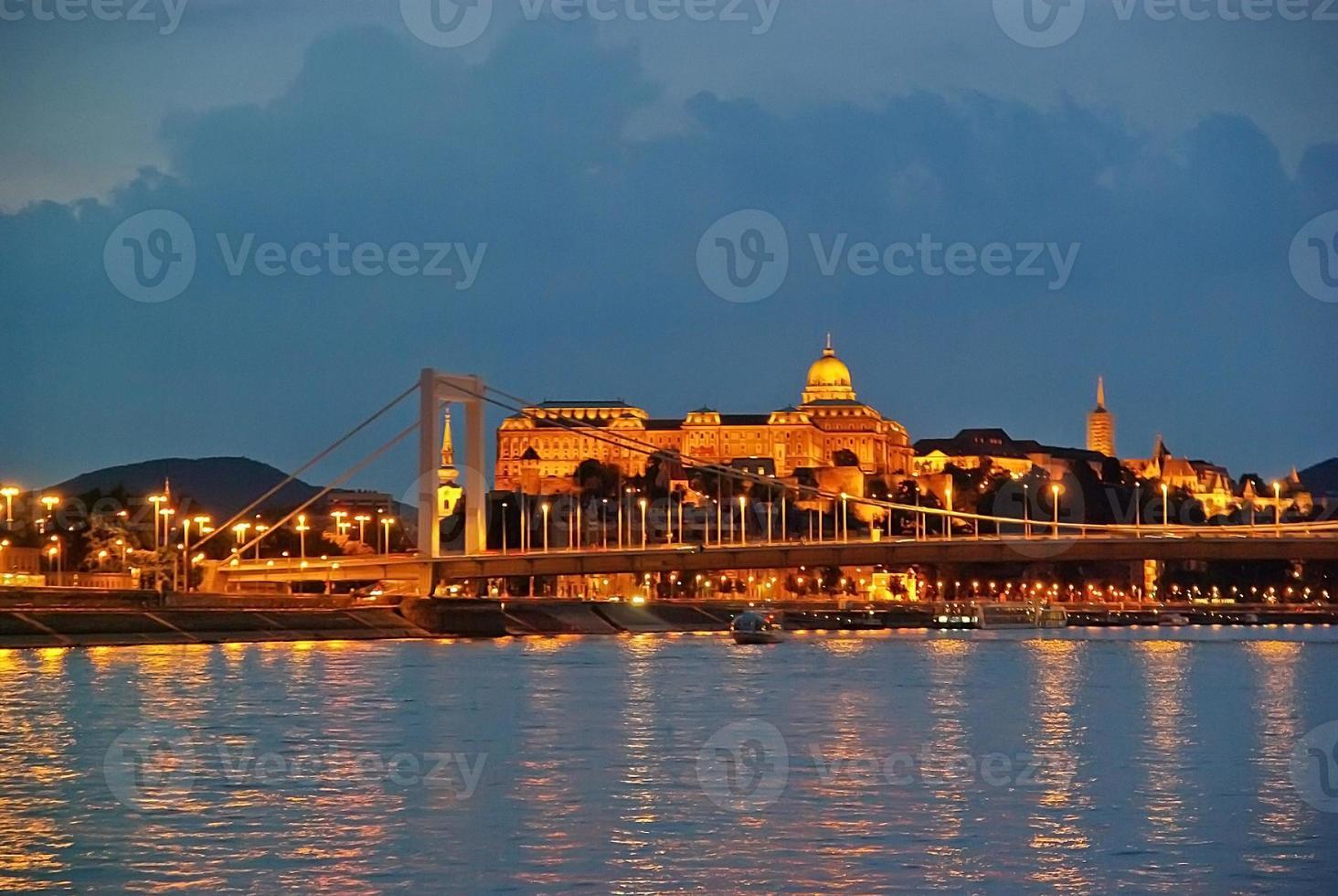 königliche Residenz in Budapest foto