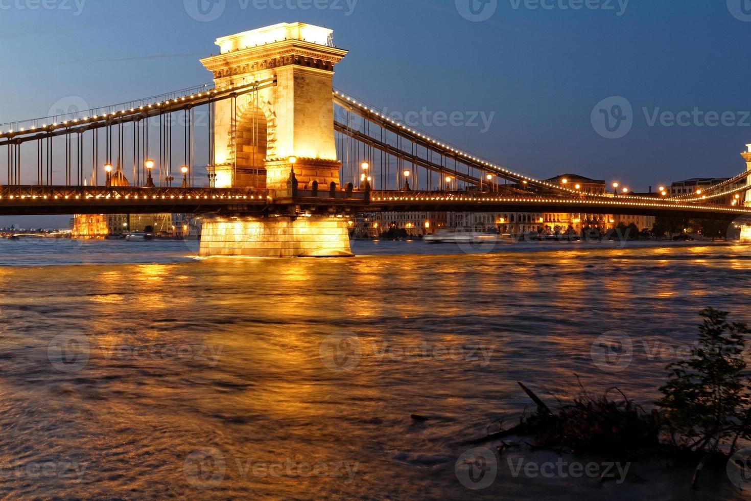Budapest in der Nacht foto