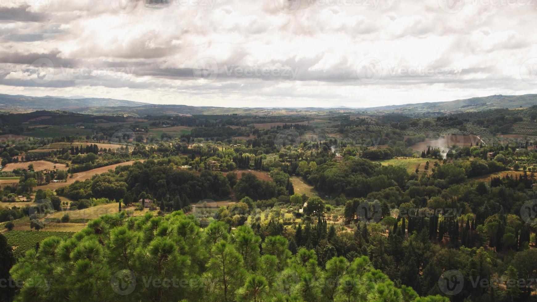 üppige und schöne toskanische Landschaft in Florenz, Italien foto