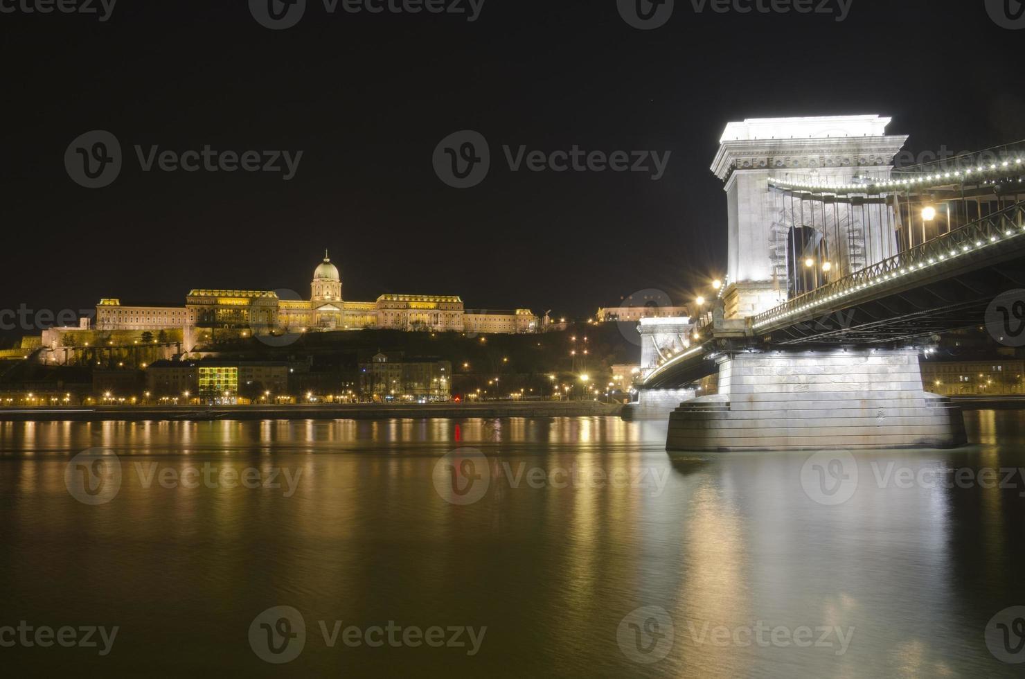 Budapester Burg und Kettenbrücke, Ungarn foto