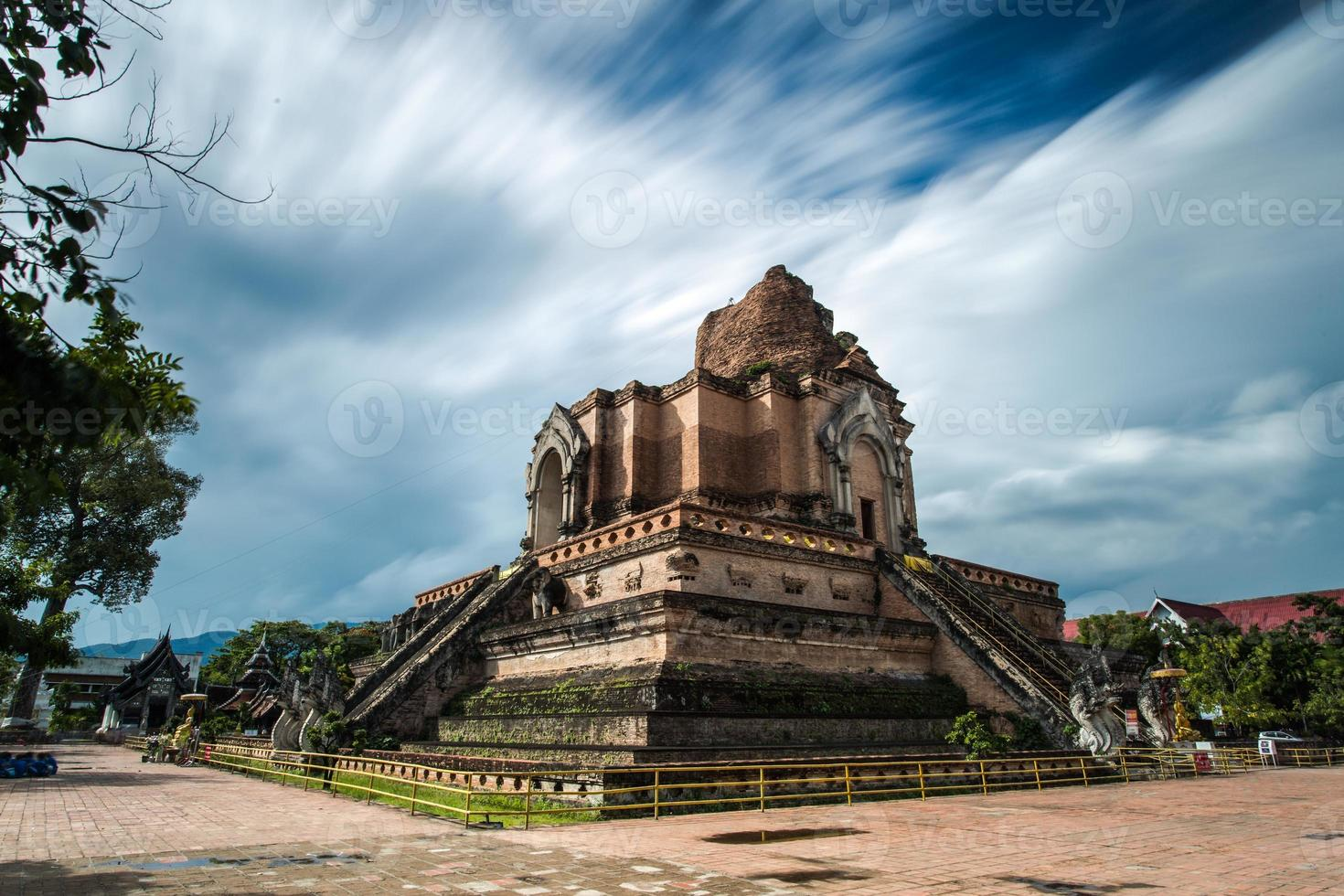 buddhistischer tempel in chiang mai, thailand foto