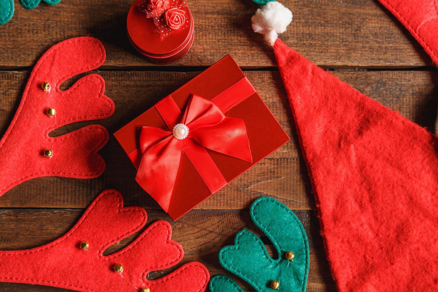 Draufsicht des Weihnachtsgeschenks foto
