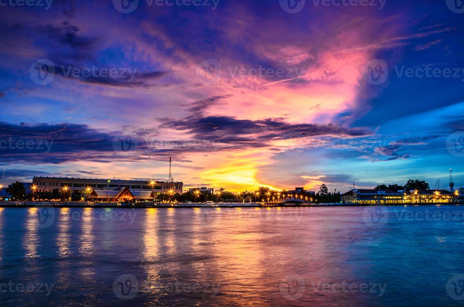 Hafen, Wat Arun, Marine Auditorium, Thailand foto