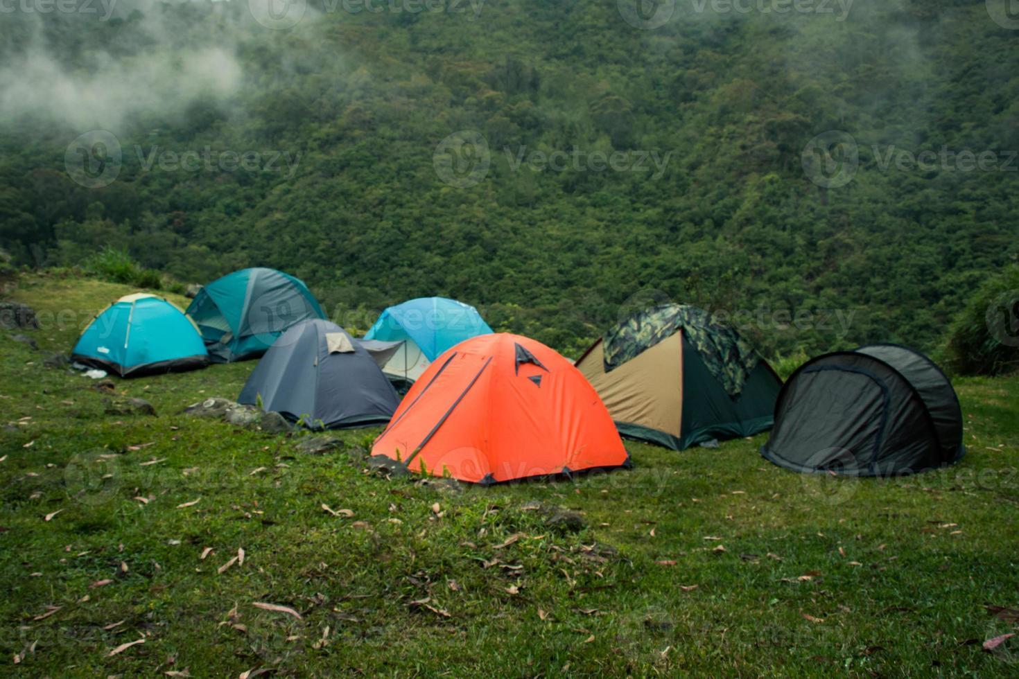acampada de montaña foto