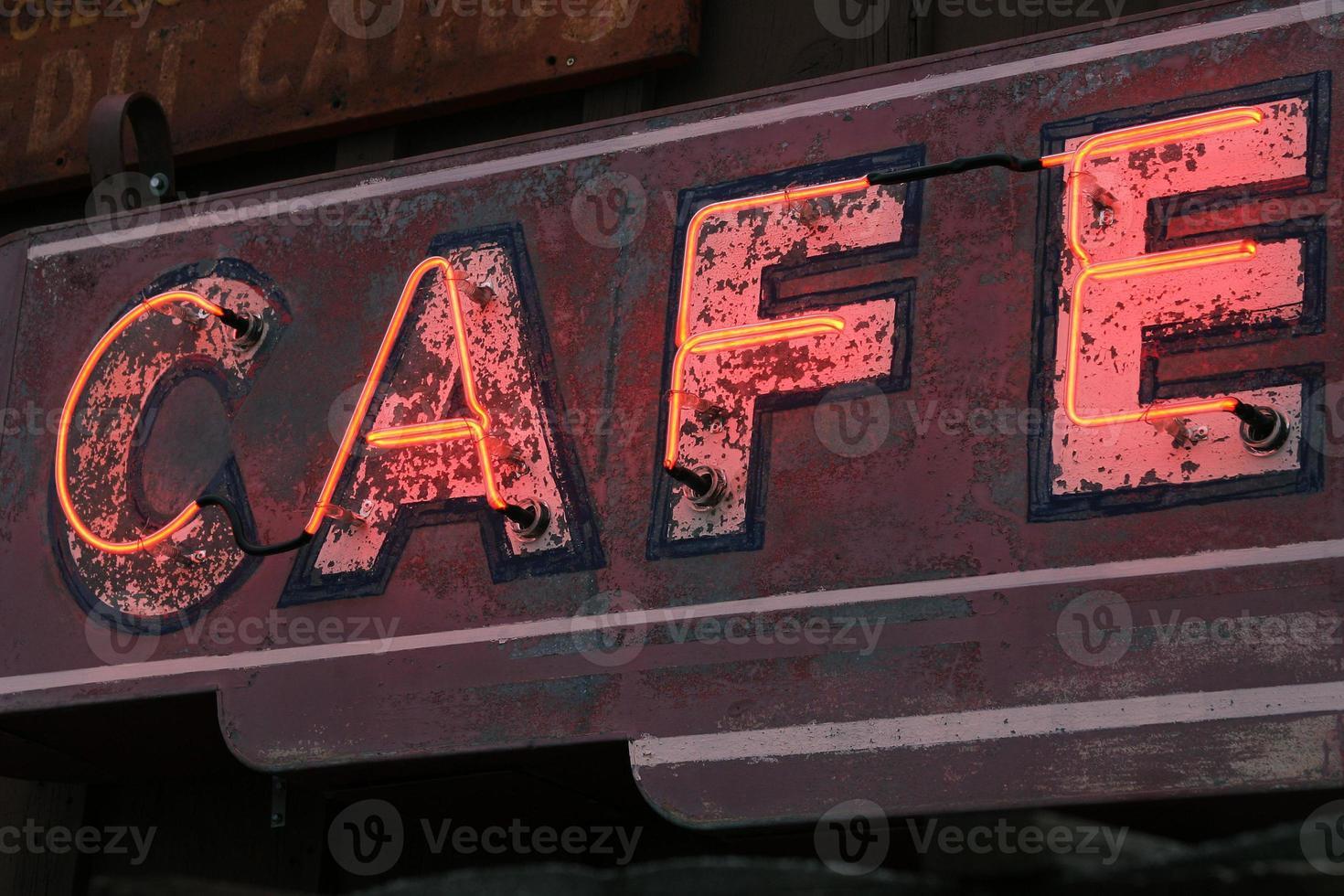 altes Neon Cafe Zeichen foto