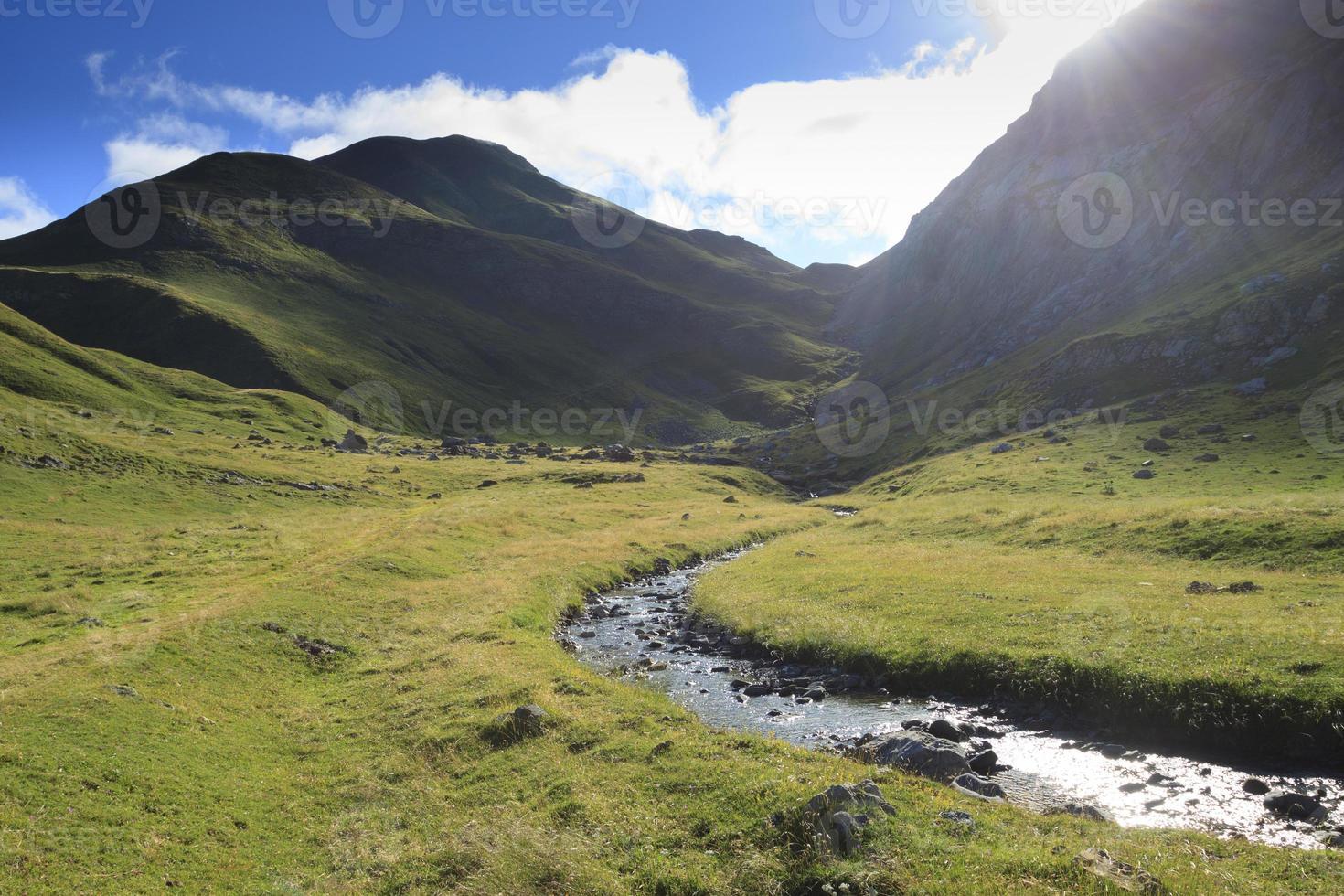 Morgen in den Bergen der Pyrenäen foto