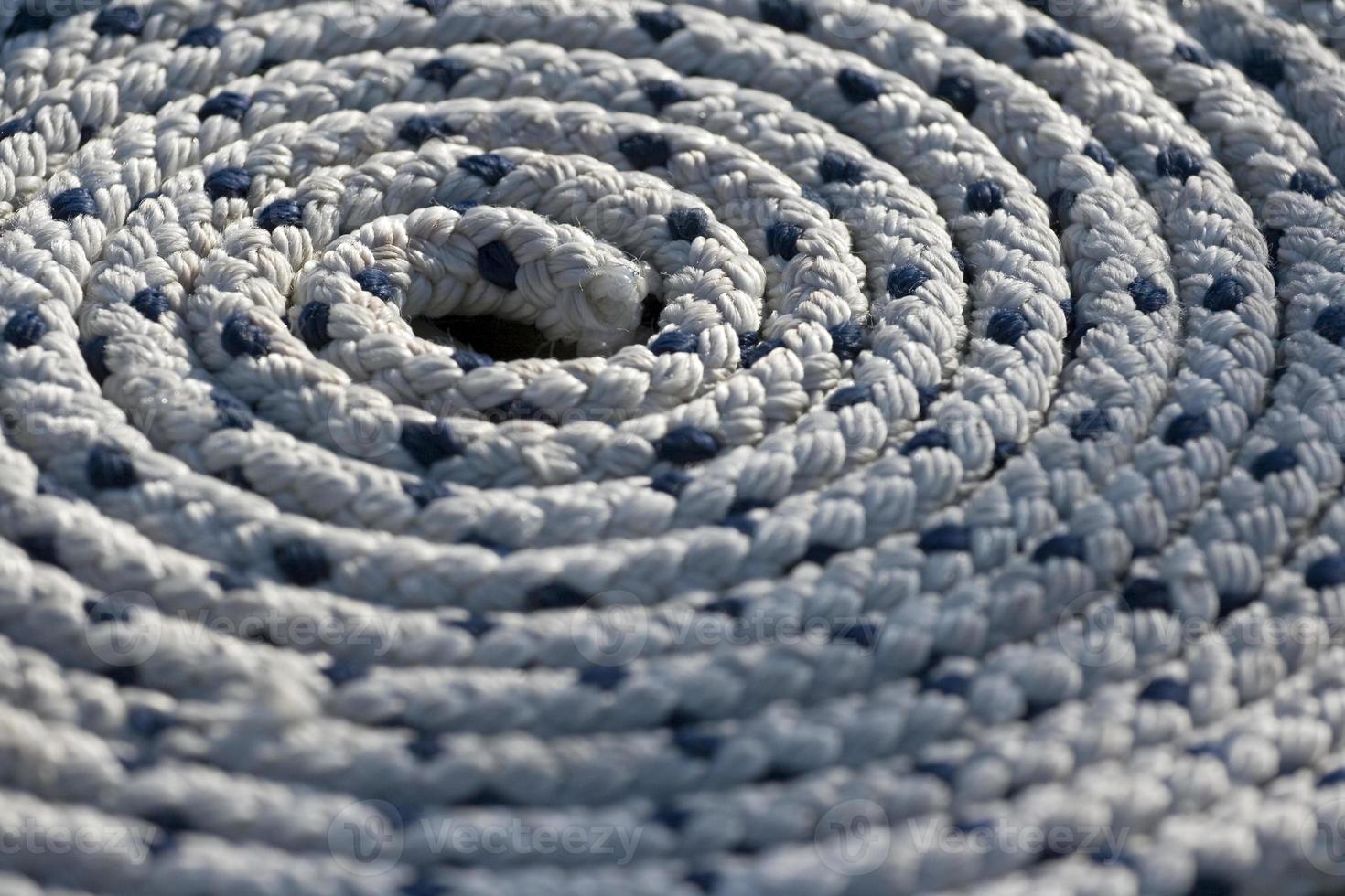 Seil an Deck in Spirale foto