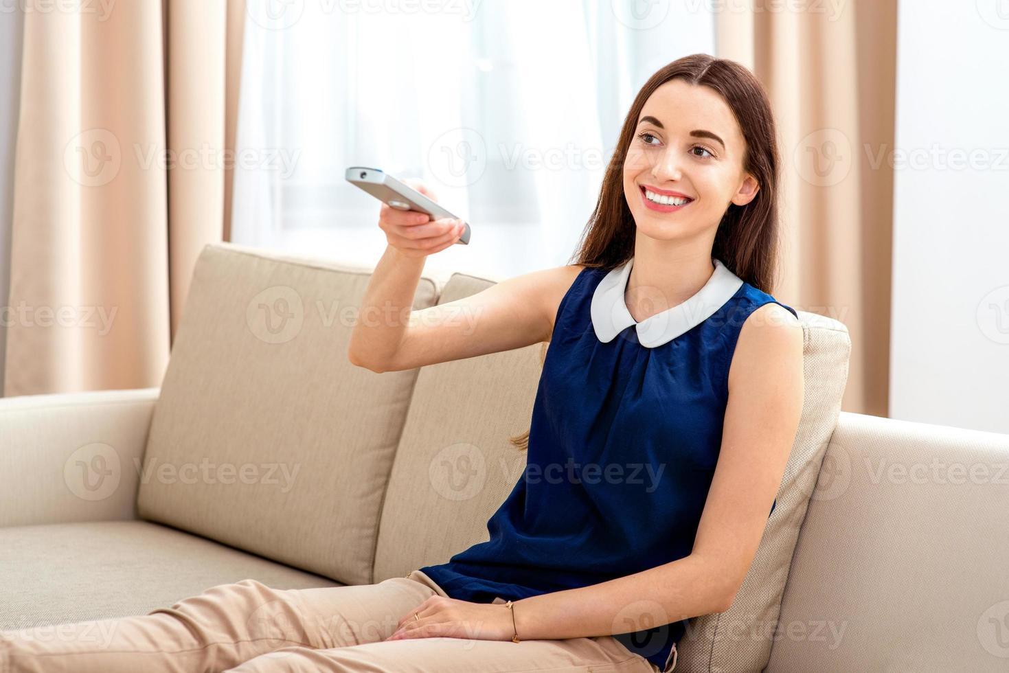 Frau fernsehen foto