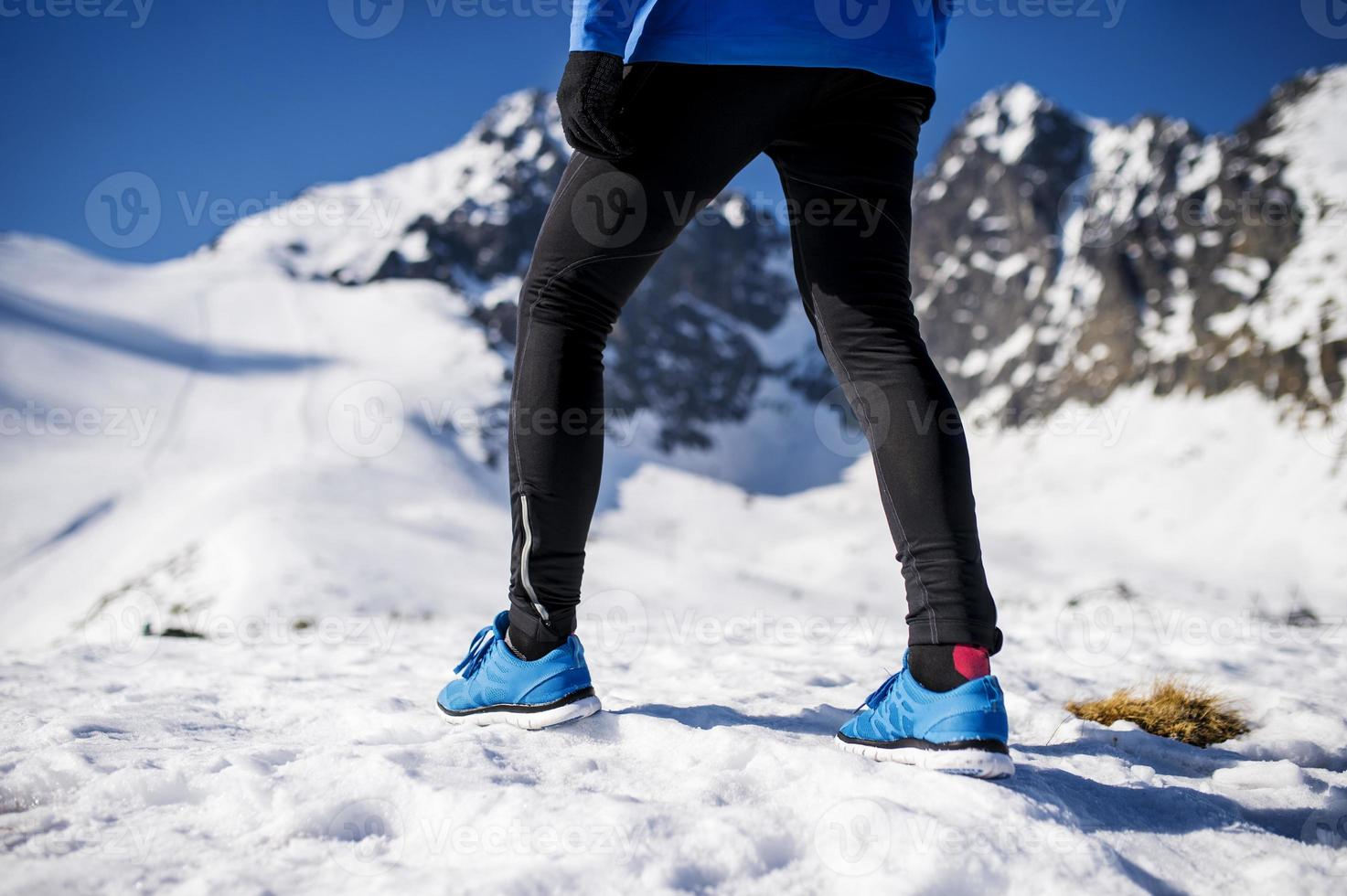 Beine eines jungen Läufers foto