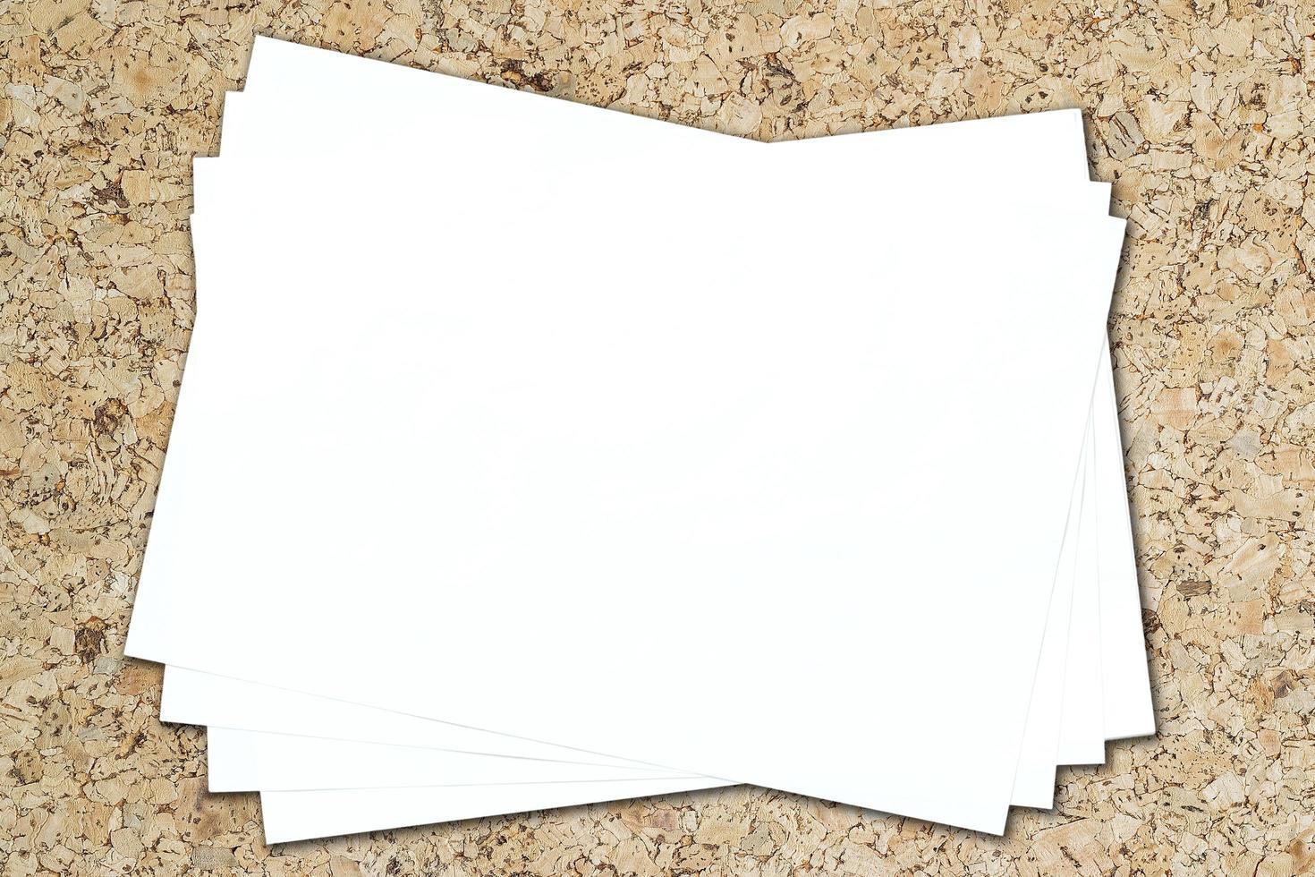 isolierter weißer Papierhintergrund foto