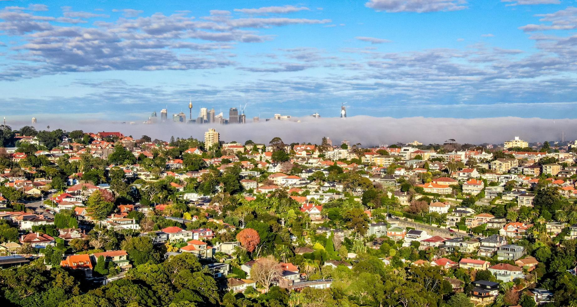 Sydney, Australien, 2020 - Luftaufnahme von Stadtgebäuden während des Tages foto