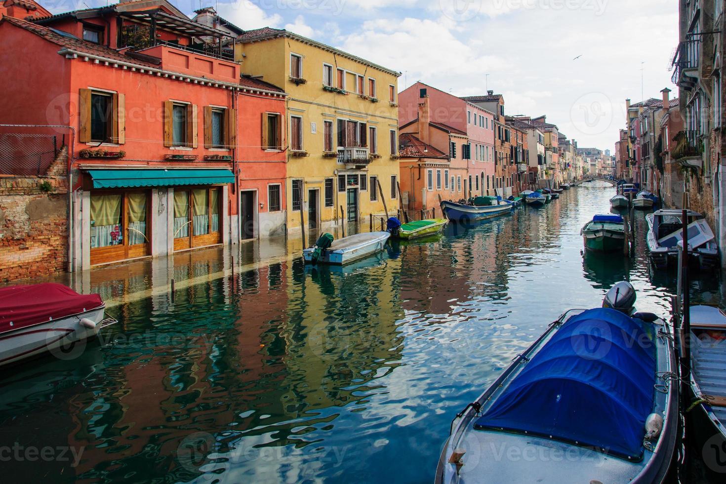 überflutete Straße, Venedig foto