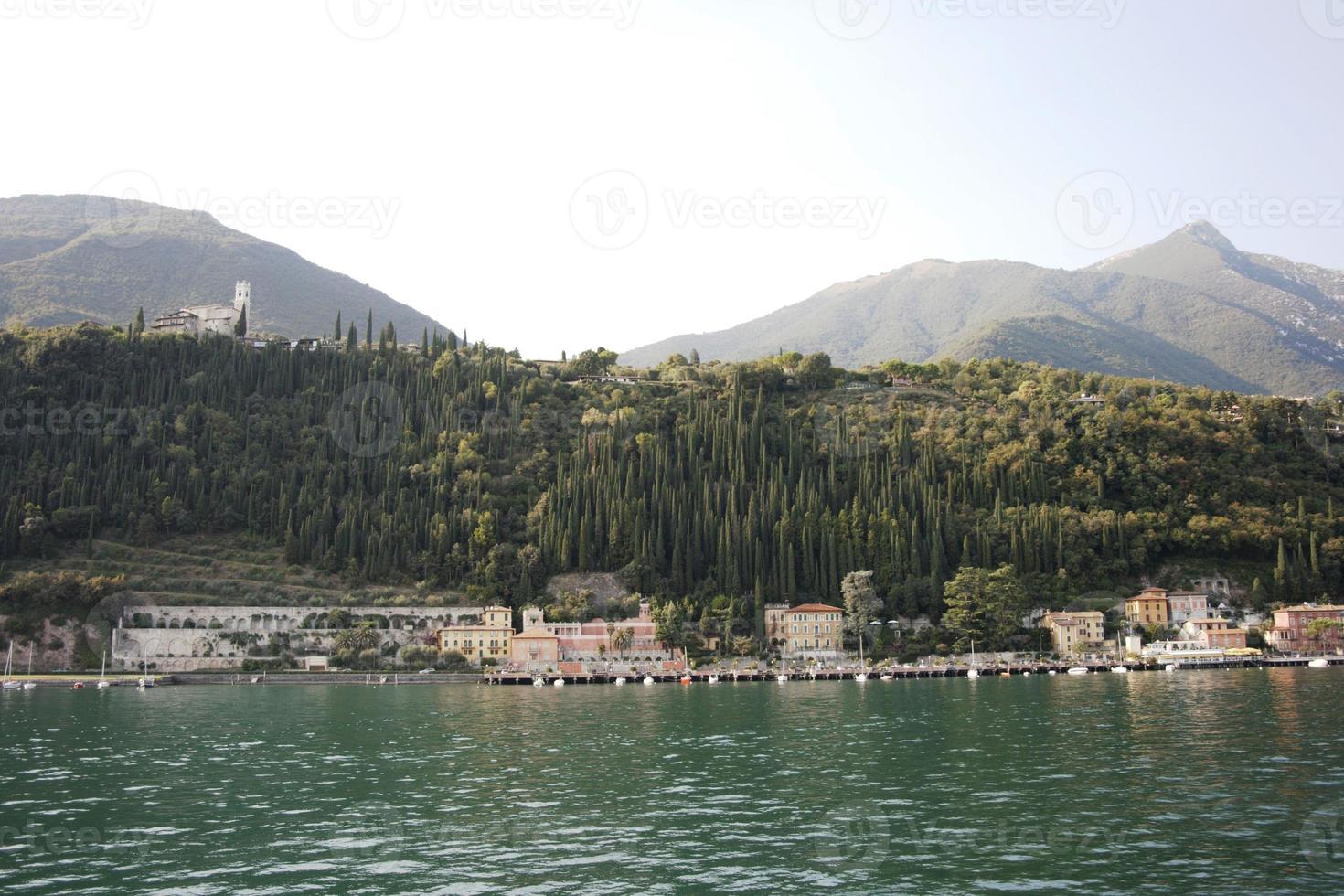 Italien, See Garda - Dorf foto