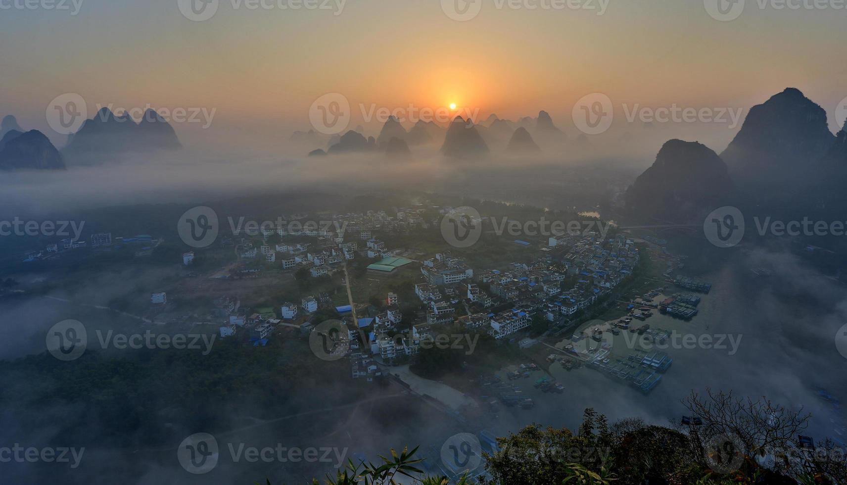 im Morgengrauen von Yangshuo foto