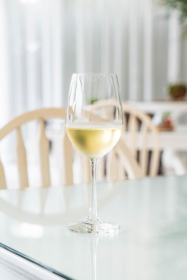 Glas Weißwein foto
