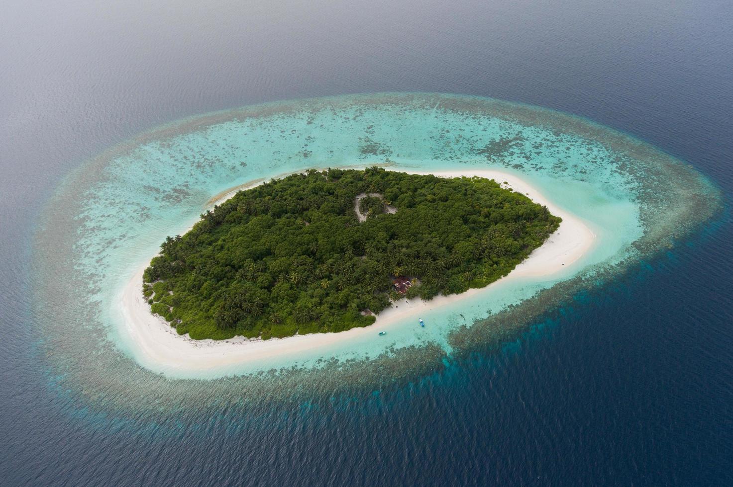 Insel Havodigalaa, Malediven, 2020 - Luftaufnahme der Insel Havodigalaa foto
