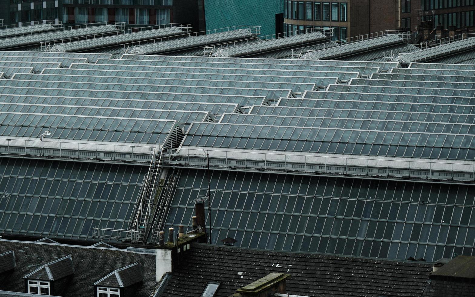Glasgow, Schottland, 2020 - Sonnenkollektoren in einer Stadt foto