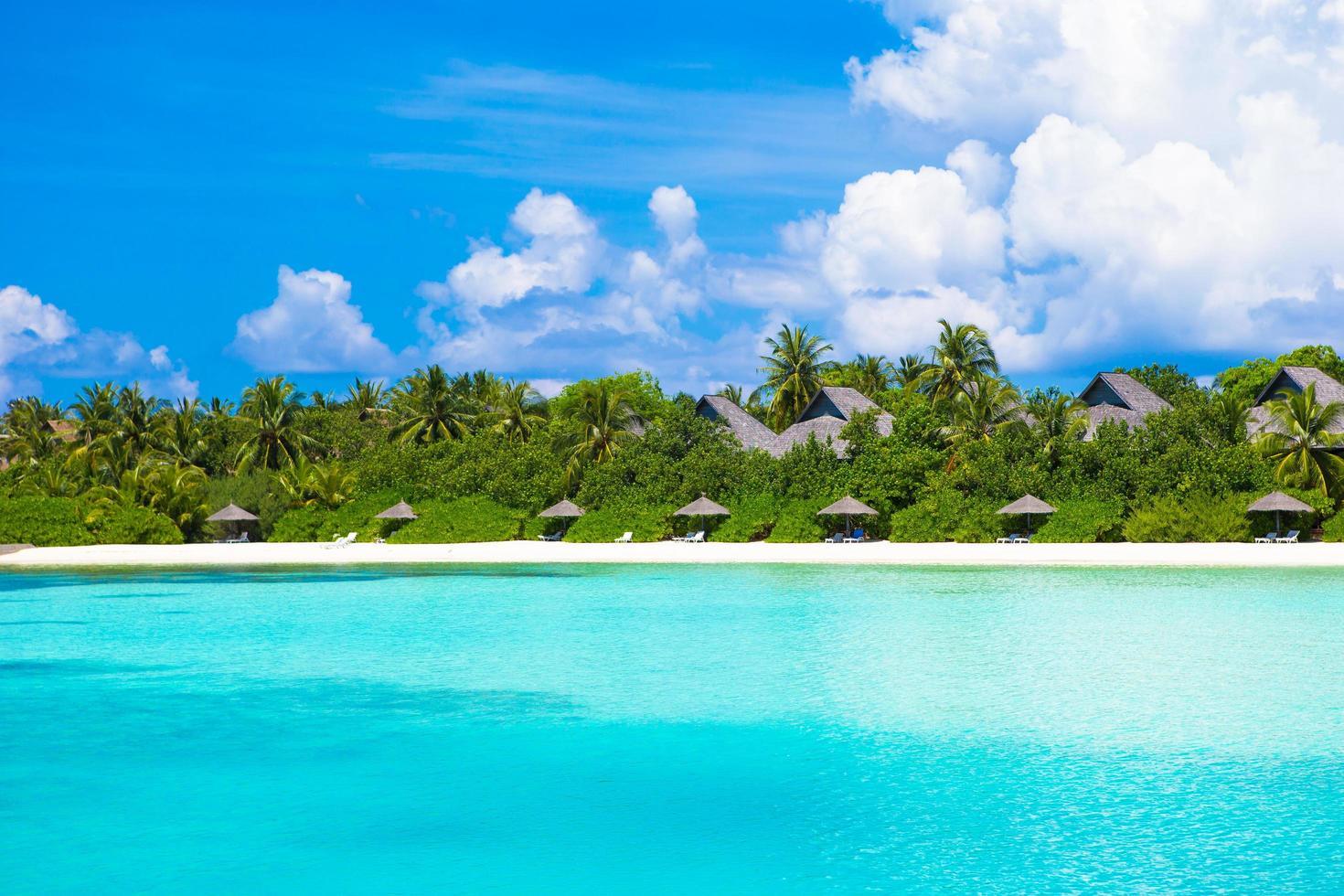 Malediven, Südasien, 2020 - Resort auf einer tropischen Insel foto