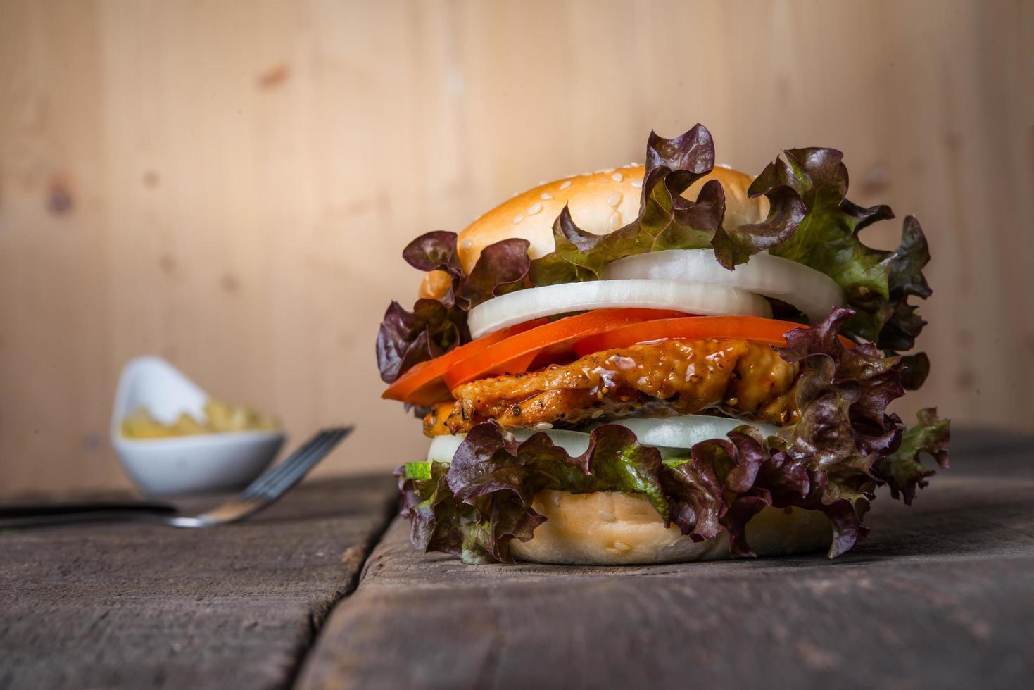hausgemachter Chicken Burger foto