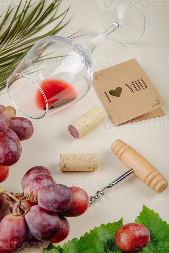 Valentinstag Gegenstände auf einem Tisch foto