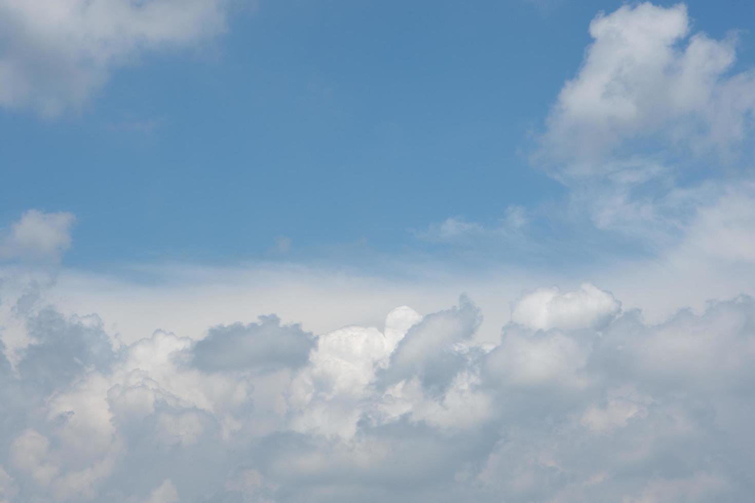der Himmel und die Wolken foto