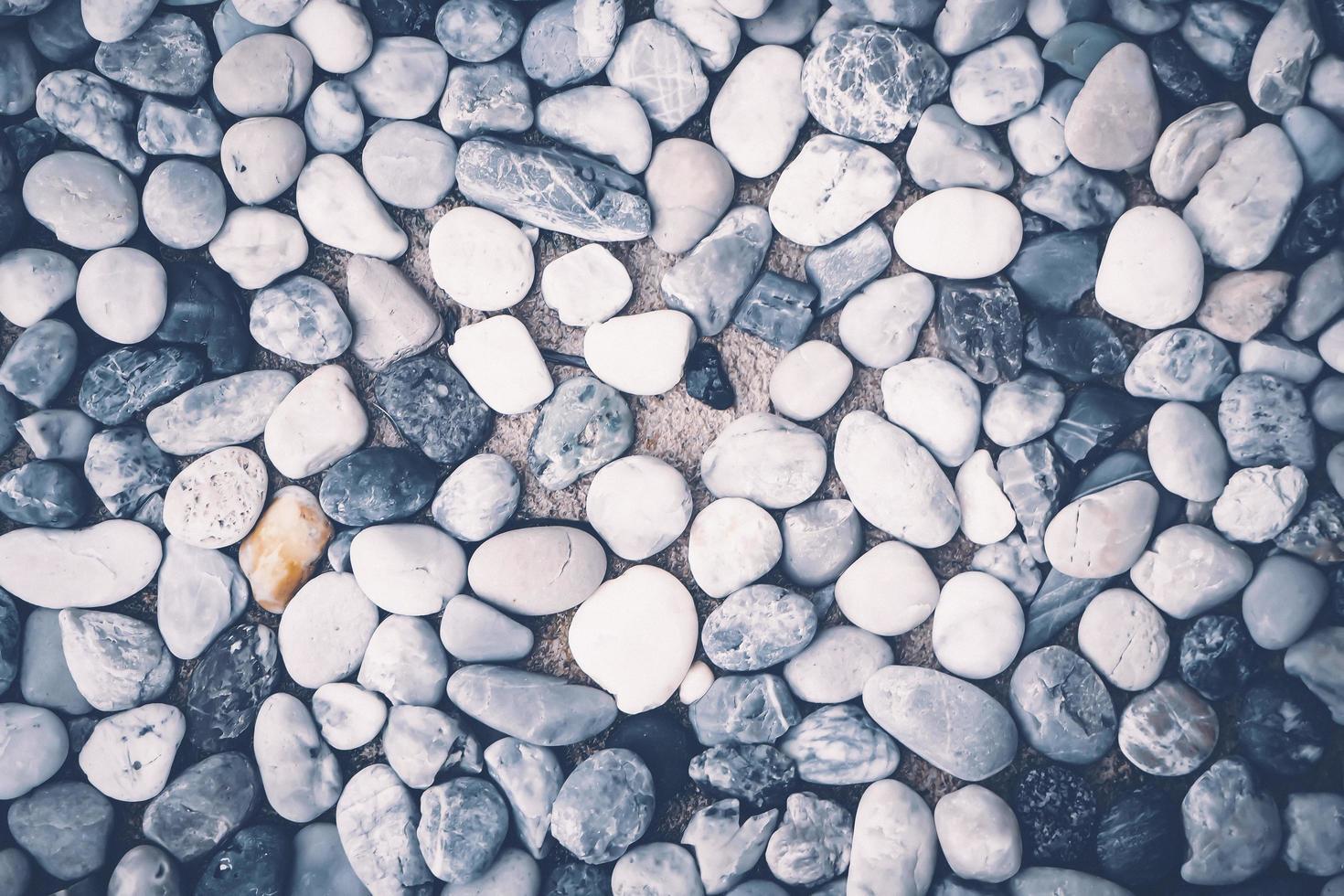 weiße und schwarze Felsen foto