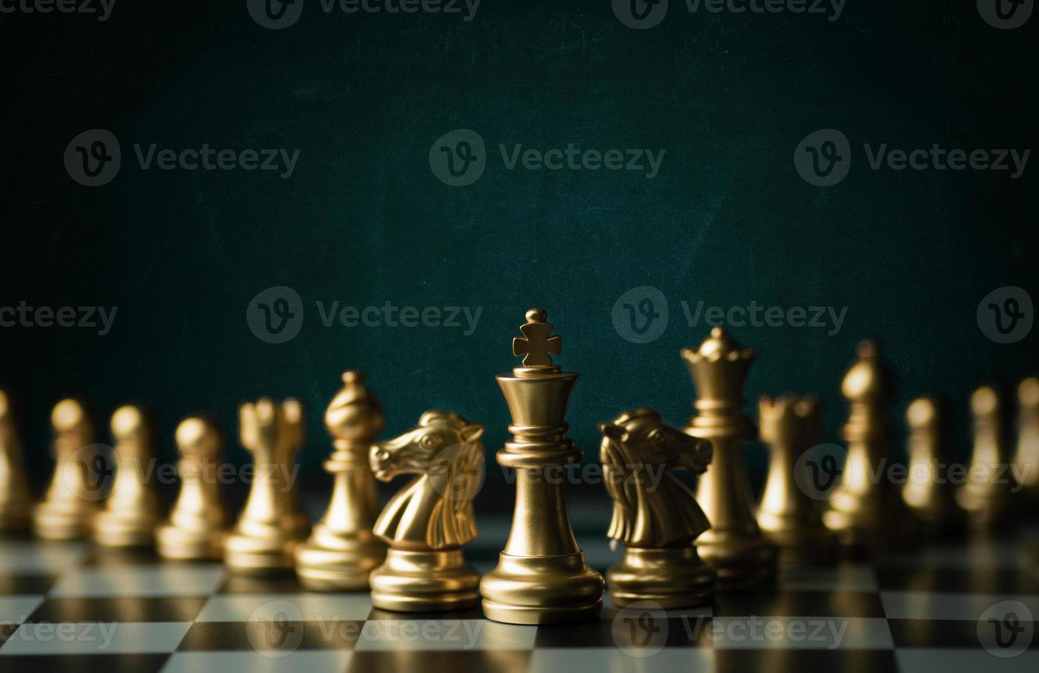 goldene Schachfiguren foto