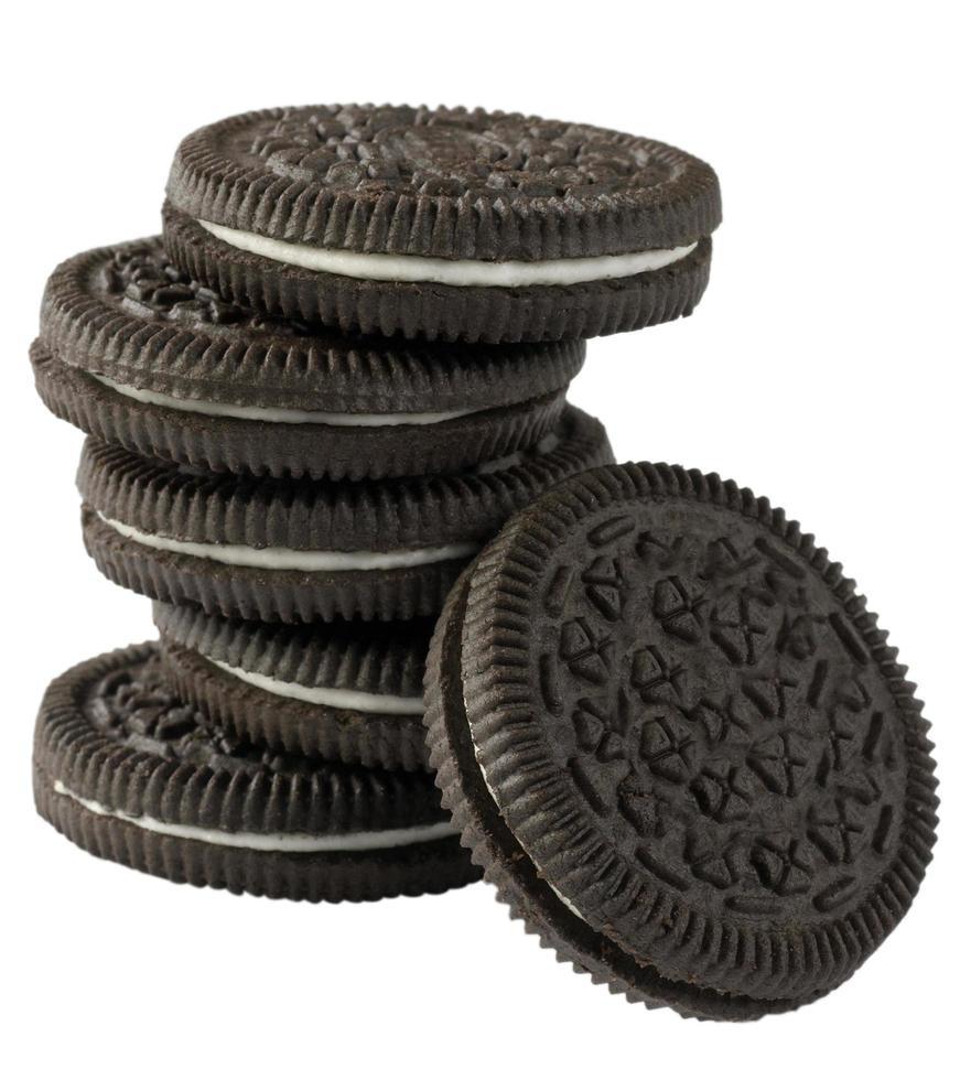 Schokoladenplätzchen mit Sahnefüllung foto