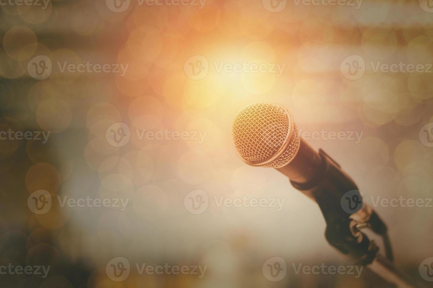 Mikrofon und Bokeh Hintergrund foto