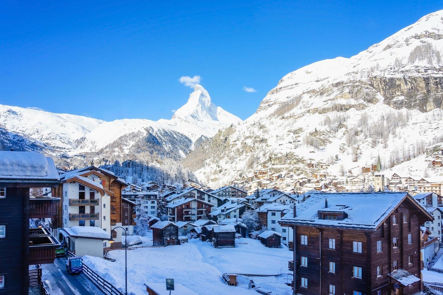 Blick auf das Matterhorn von Zermatt in der Schweiz foto