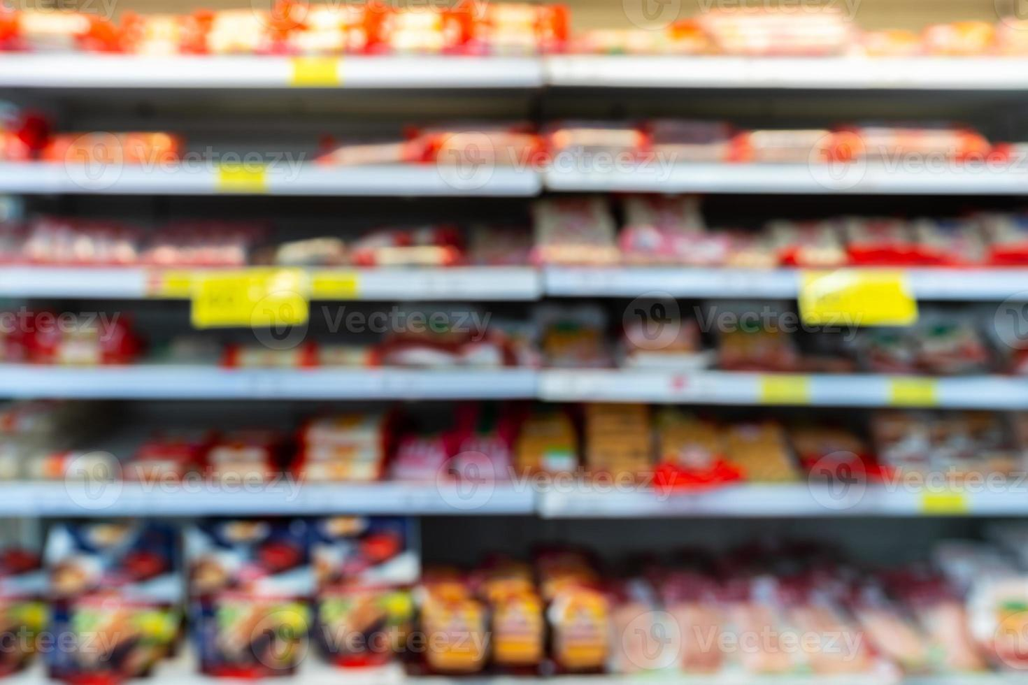 verschwommene Lebensmittelregale foto