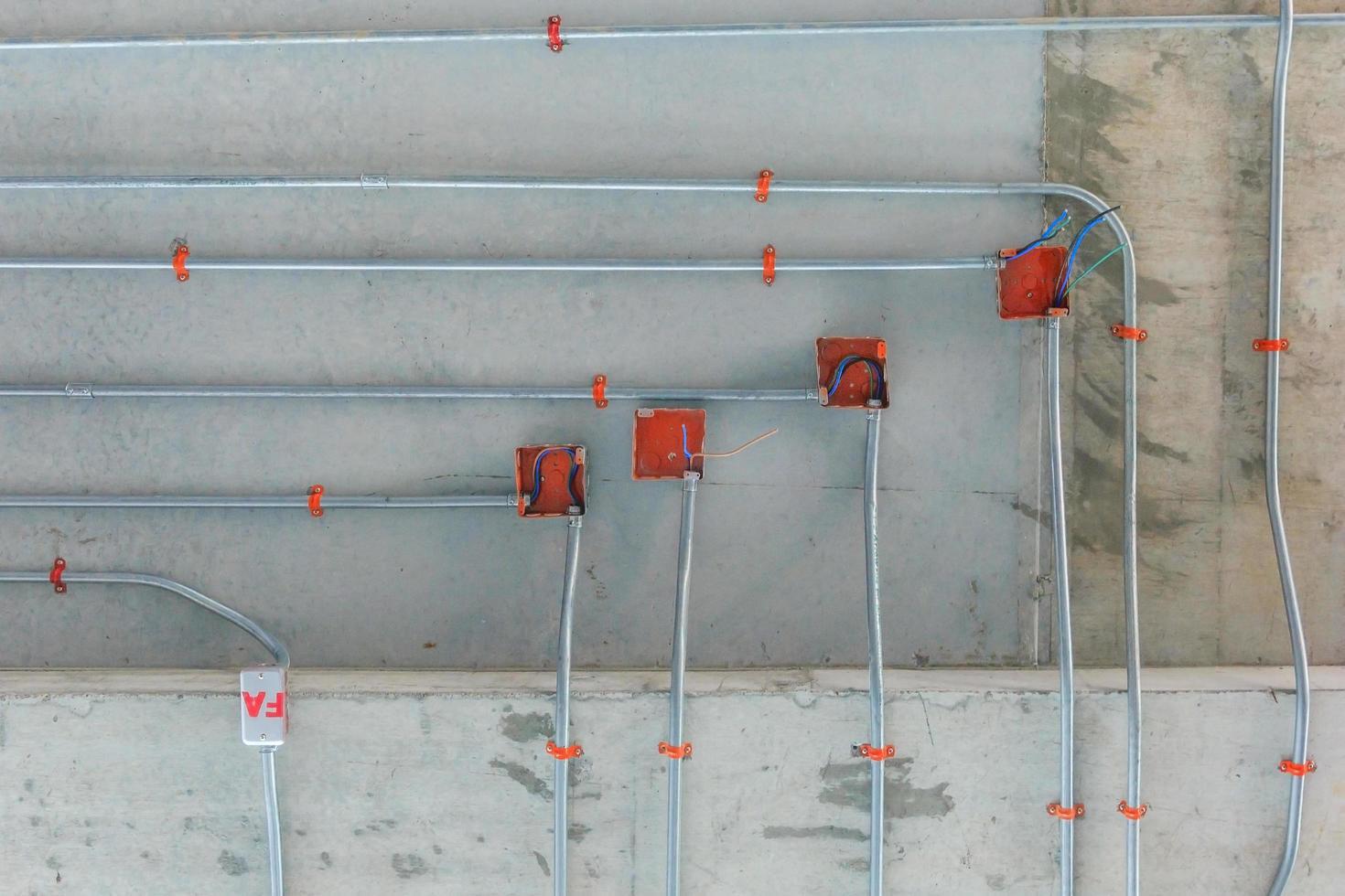 Stahlrohre für die Installation von Stromverteilungssystemen foto