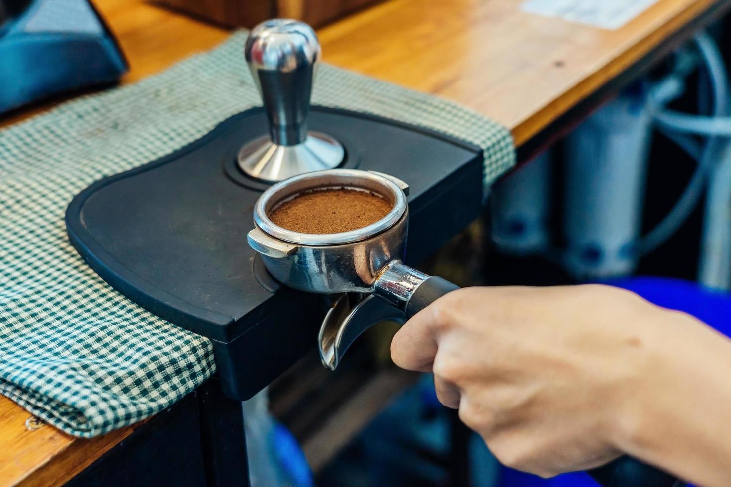 Nahaufnahme der Kaffeezubereitung foto