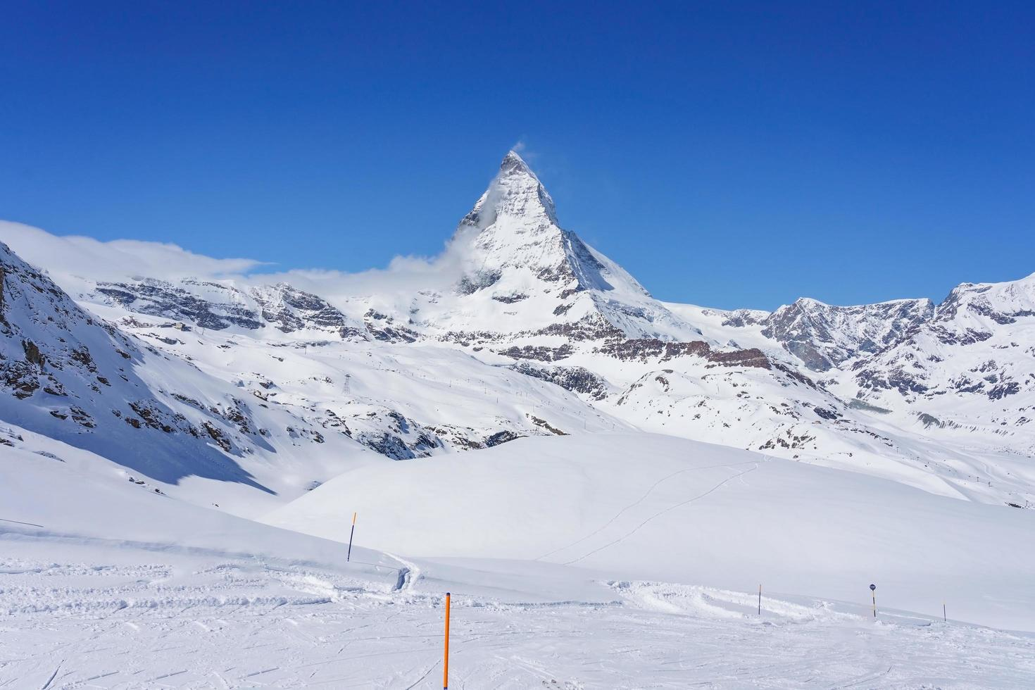 Blick auf Matterhorn an einem klaren sonnigen Tag, Zermatt, Schweiz foto