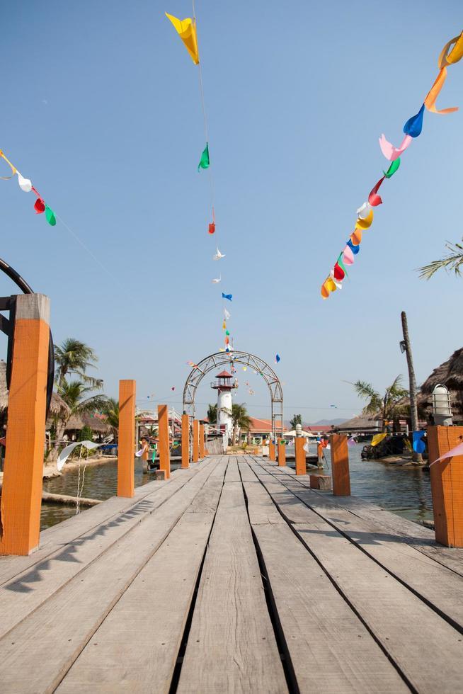 Holz Pier in Thailand foto