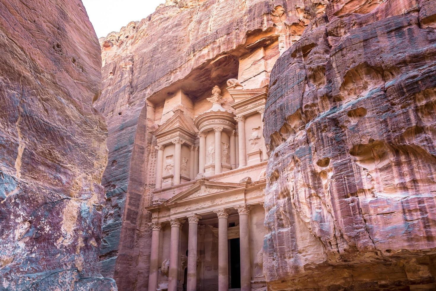 al khazneh in der antiken stadt petra, jordan foto