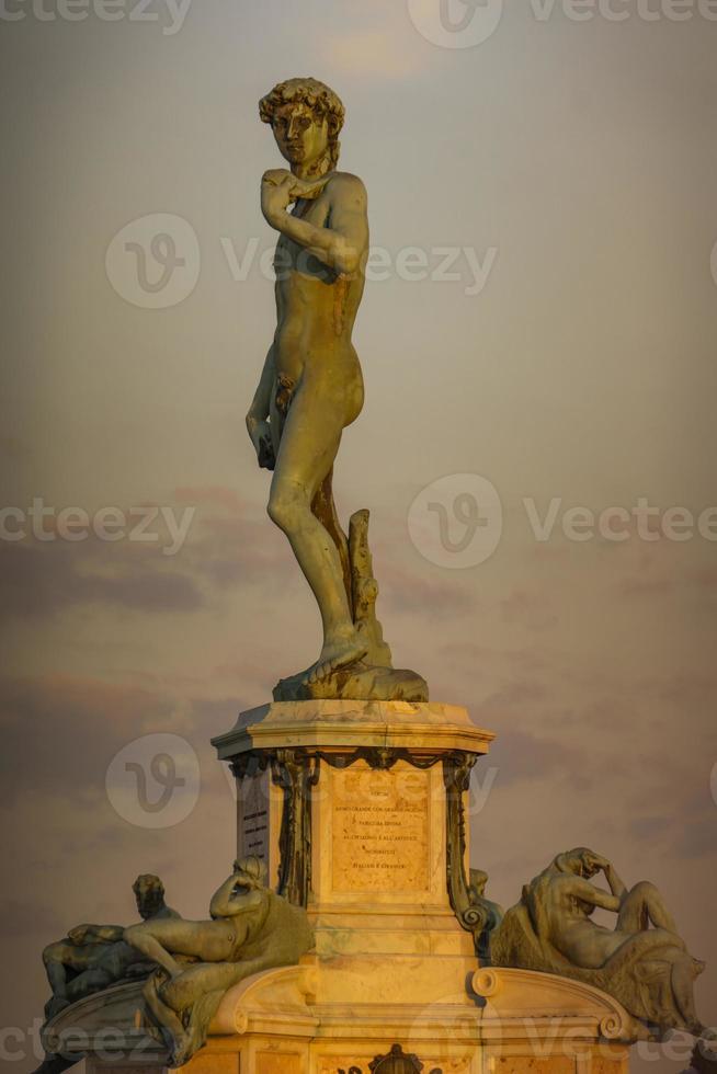 Statue von David von Michelangelo auf der Piazza Michelangelo in Florenz, Italien foto