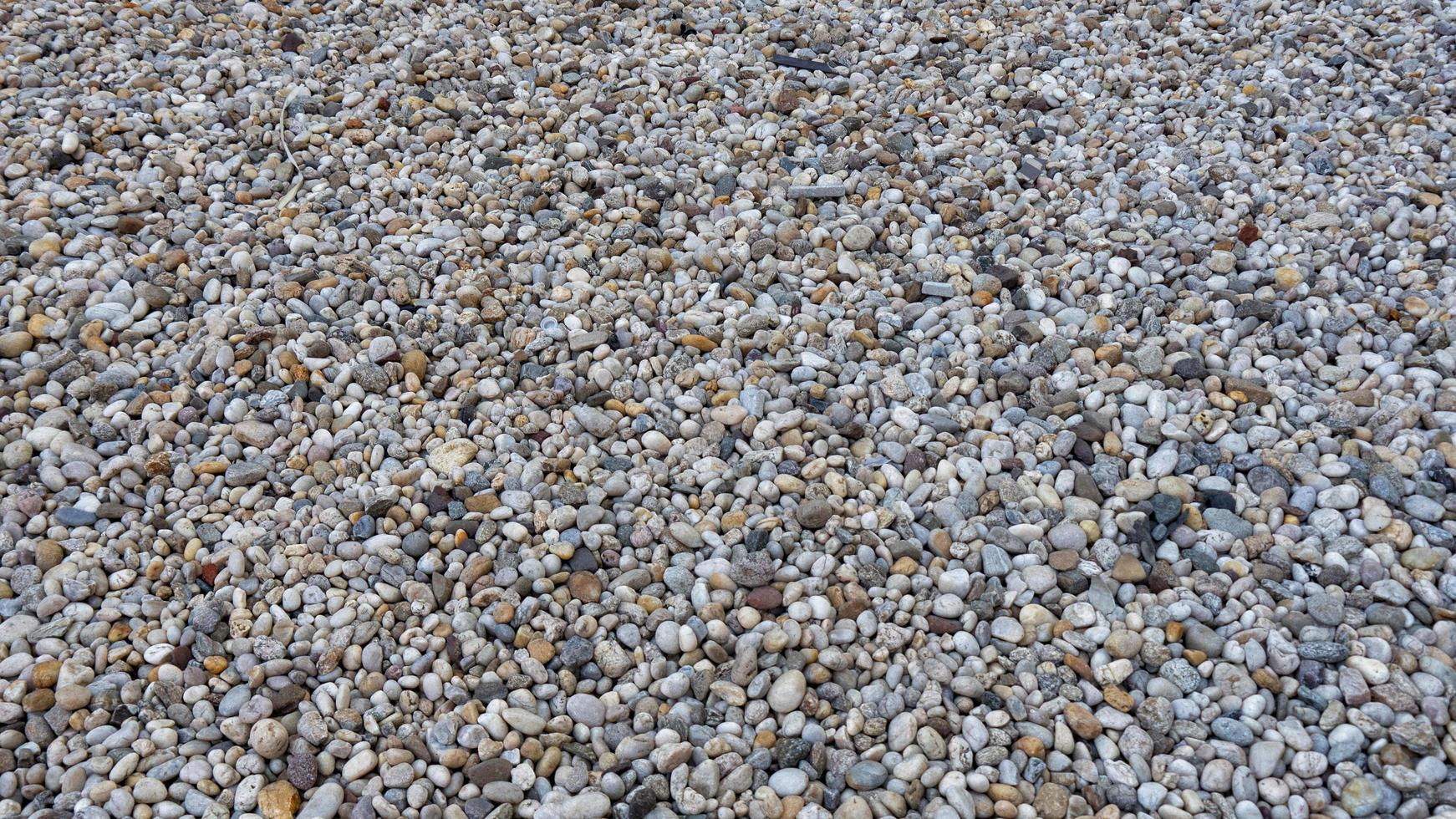Kieselsteine auf dem Boden foto
