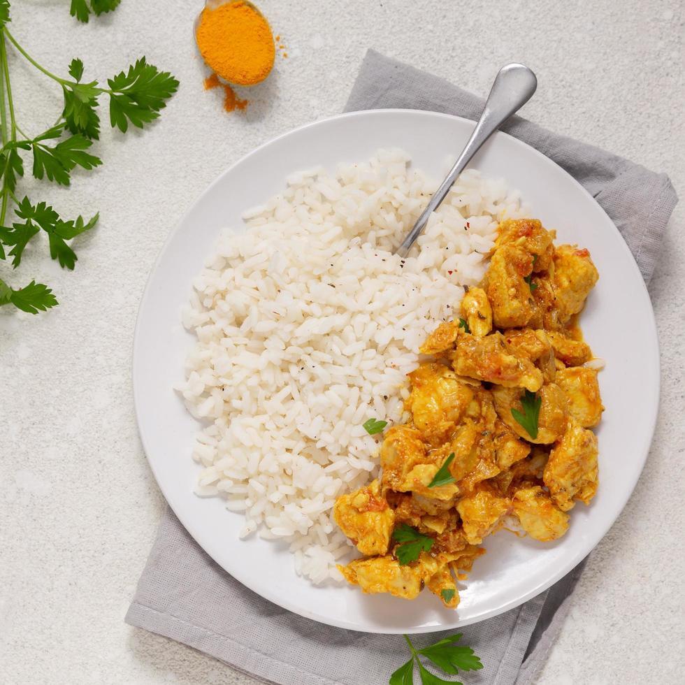 Teller mit thailändischem Essen foto