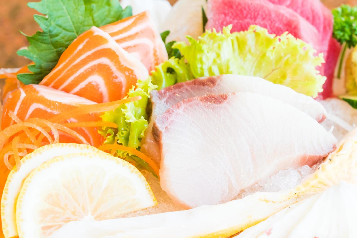 roher und frischer Sashimi foto