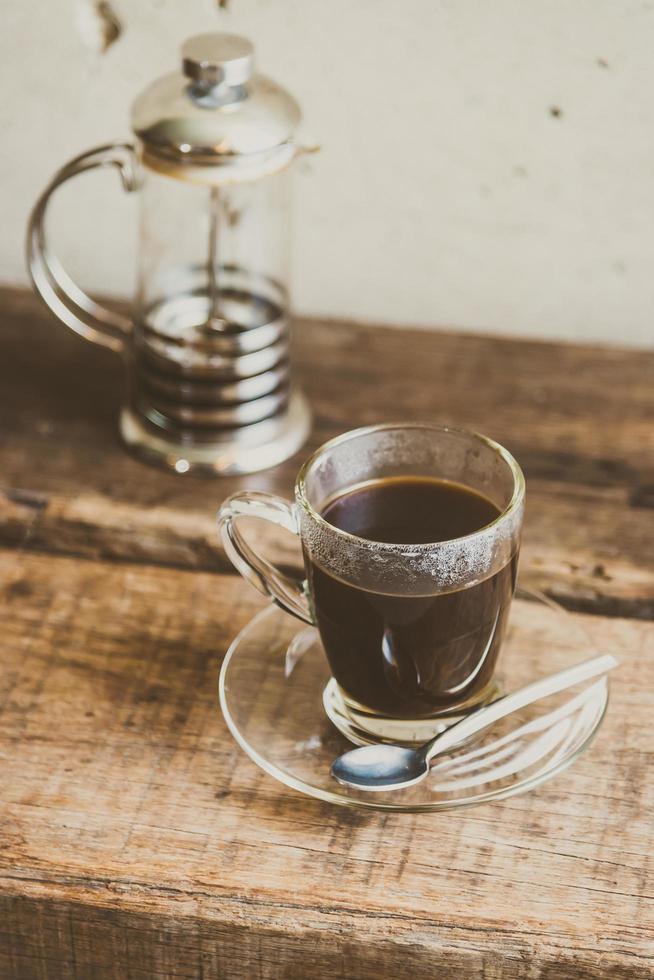 schwarzer Kaffee in Kaffeetasse foto