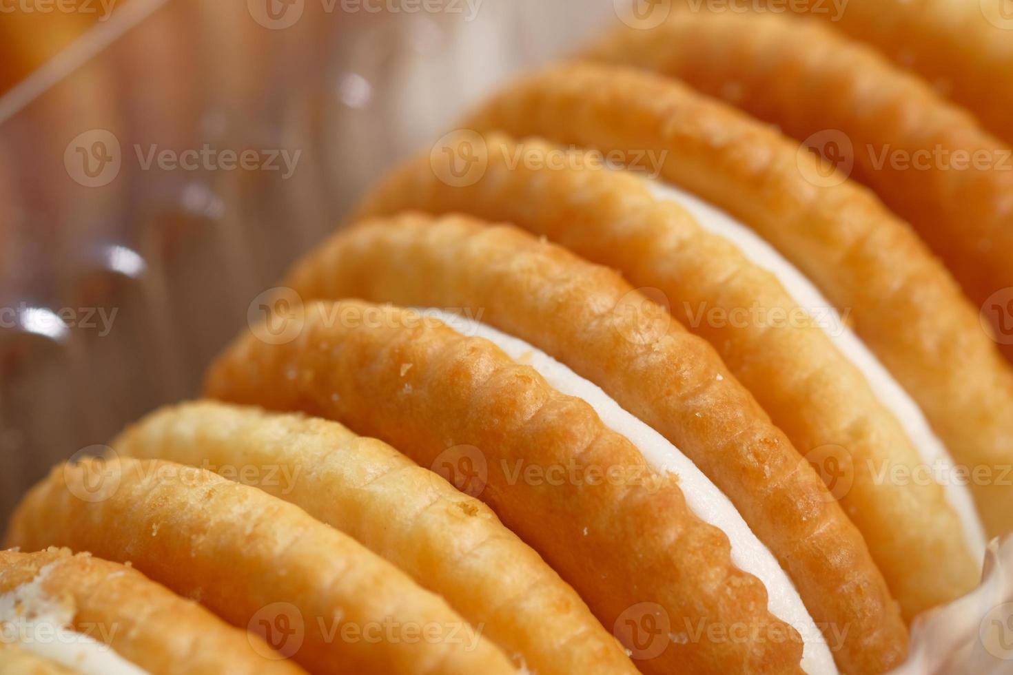Cracker mit weißer Füllung foto