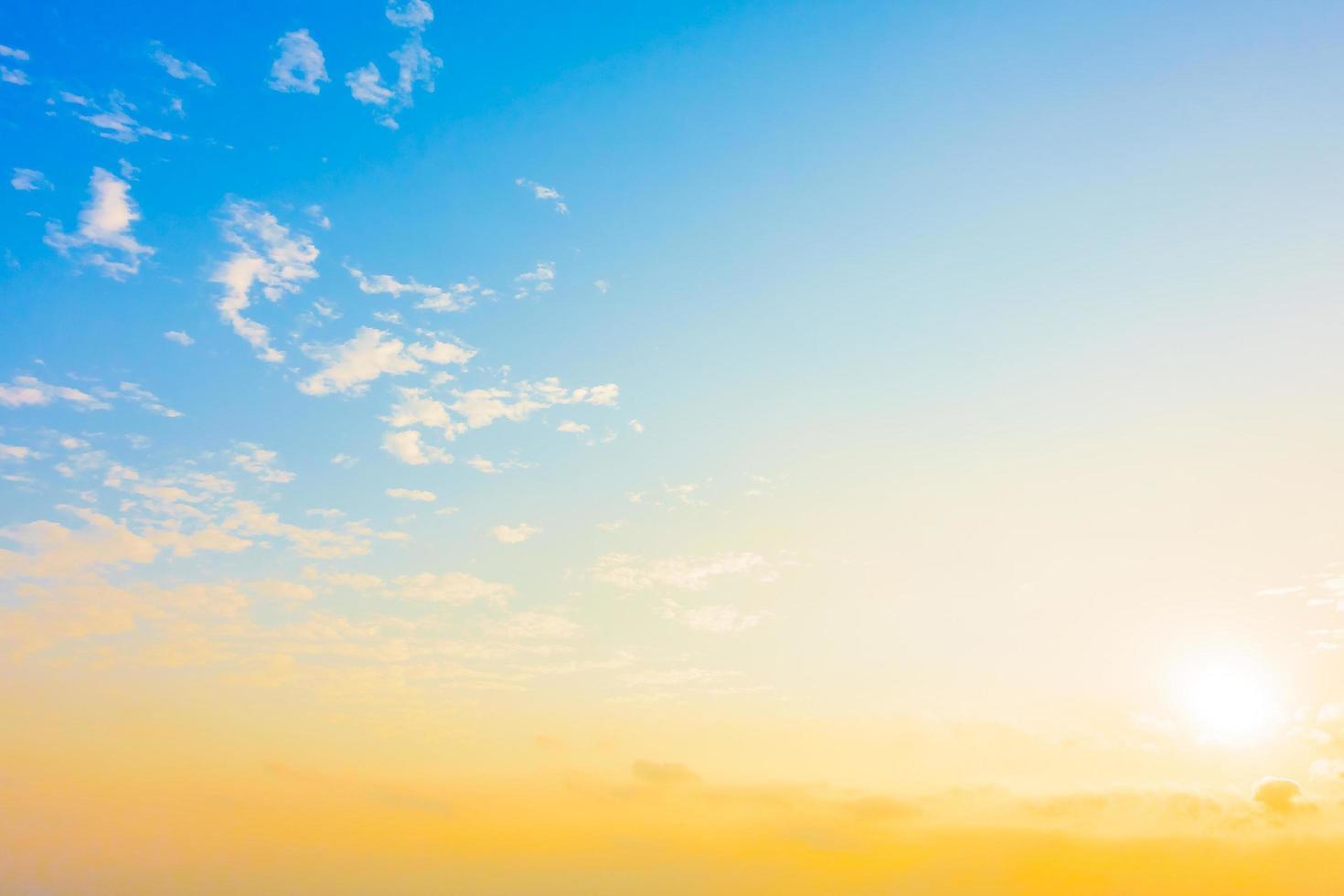 Weinlesewolke auf Himmelhintergrund foto