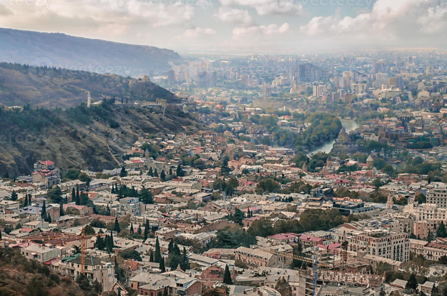 Luftaufnahme von Tiflis foto