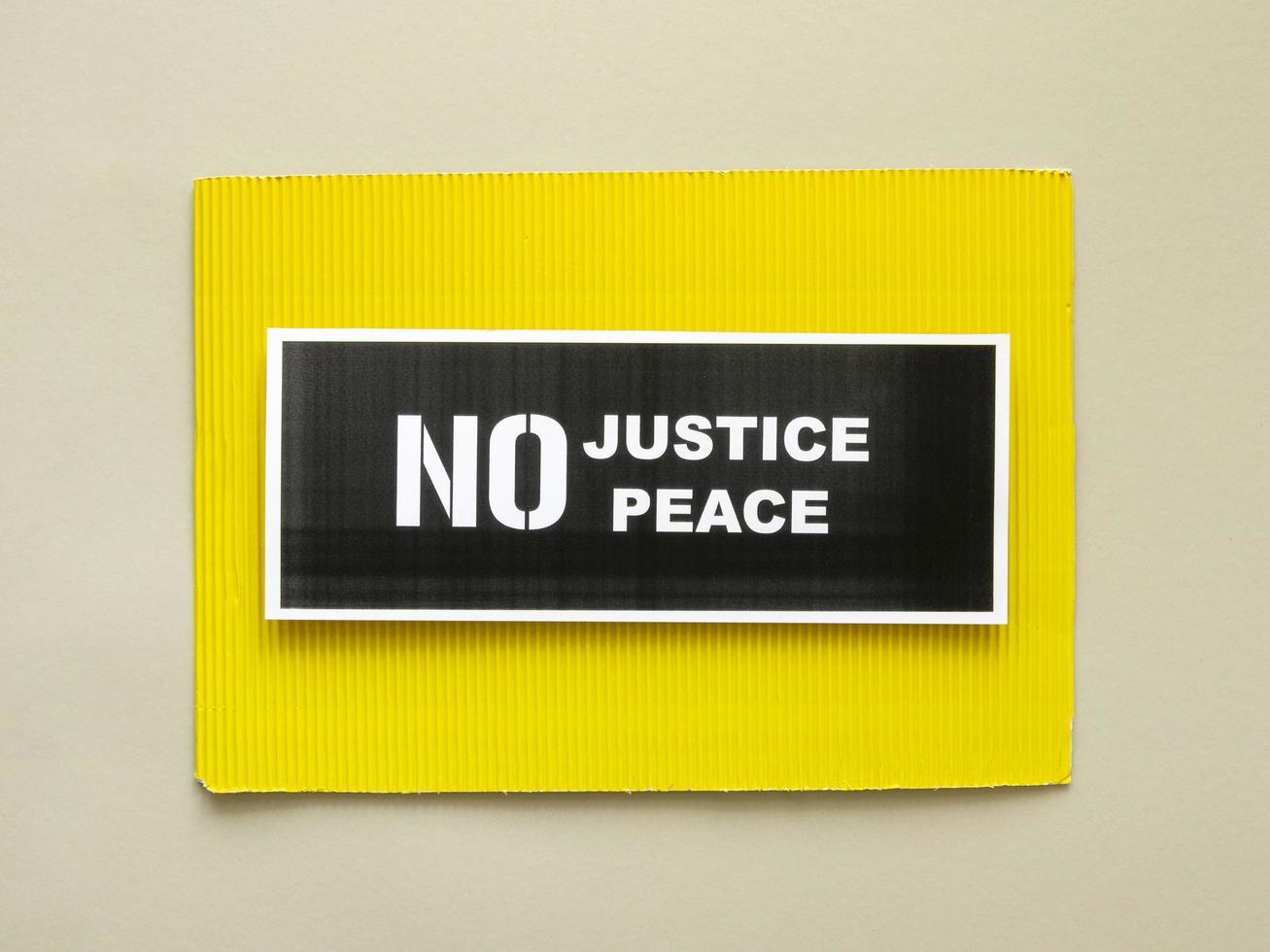 keine Gerechtigkeit kein Friedensprotestzeichen foto
