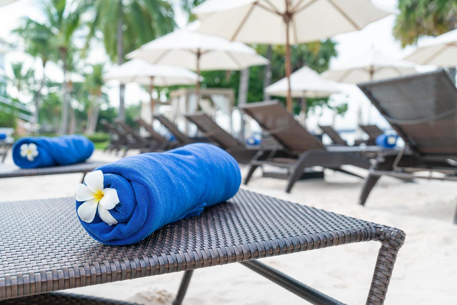 Nahaufnahme Handtuch auf einem Strandkorb - Reise- und Urlaubskonzept foto