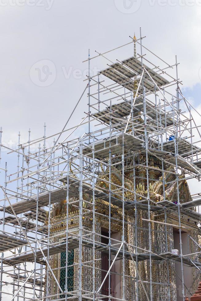Renovierung und Reparatur des Dachtempels foto