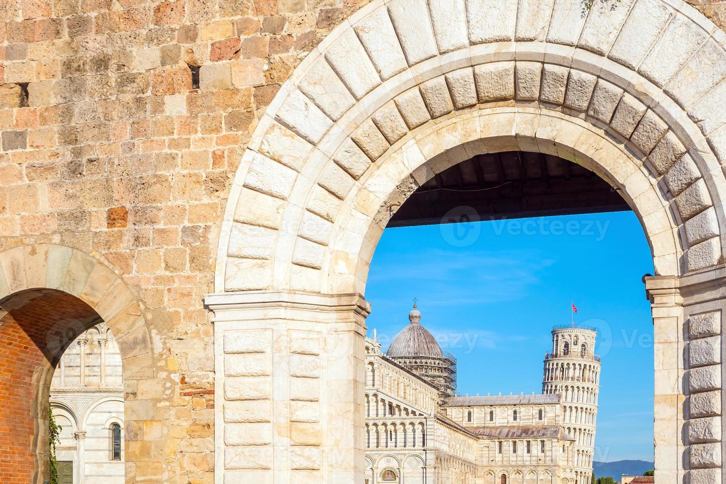 Kathedrale von Pisa und der schiefe Turm foto
