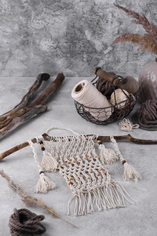 die Boho-Makramee-Komposition für drinnen foto